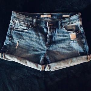 Banana Republic Rolled Cuff Short